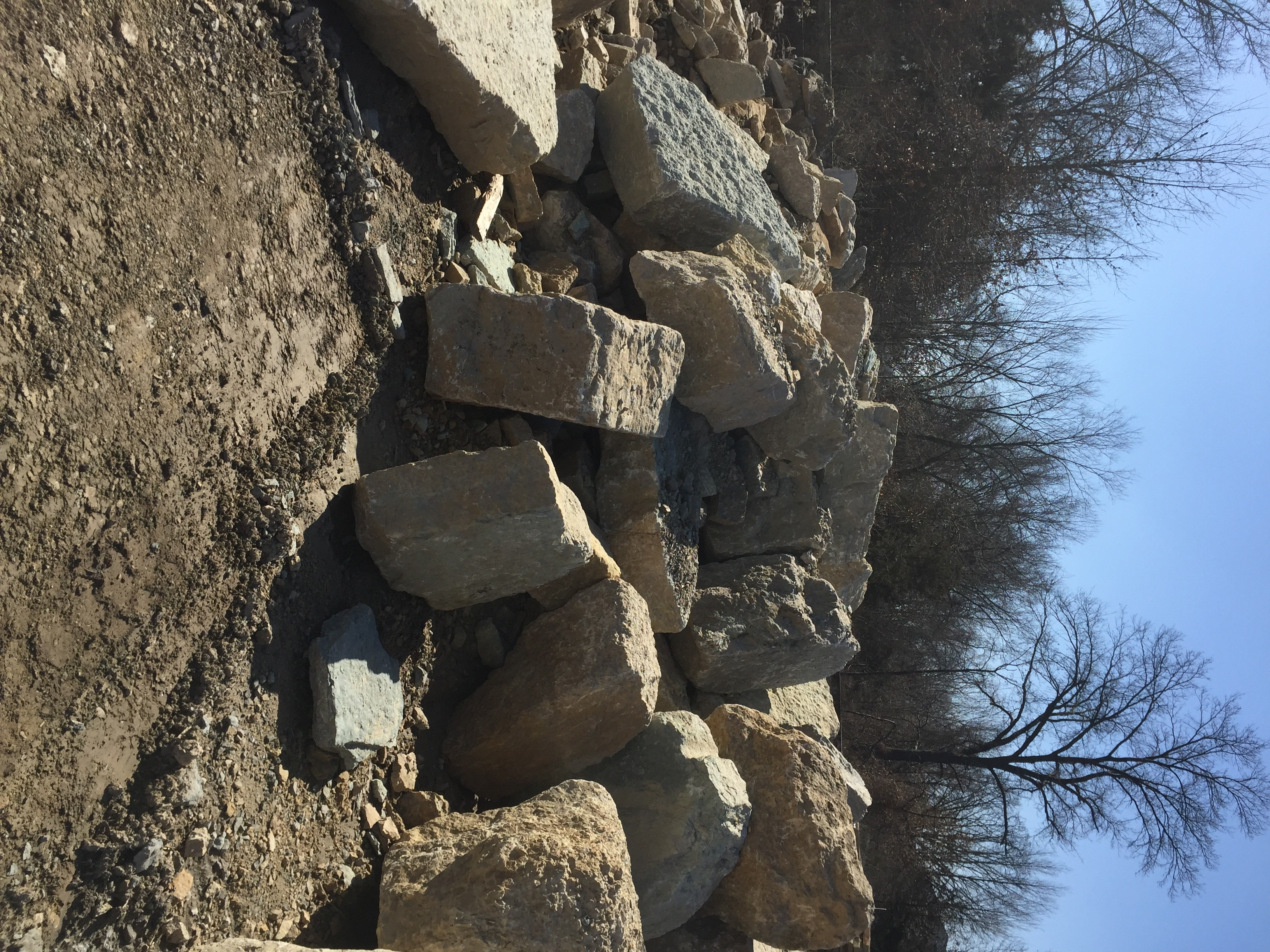 Landscaping Boulders Springfield Mo : Natural stone landscaping material saint charles